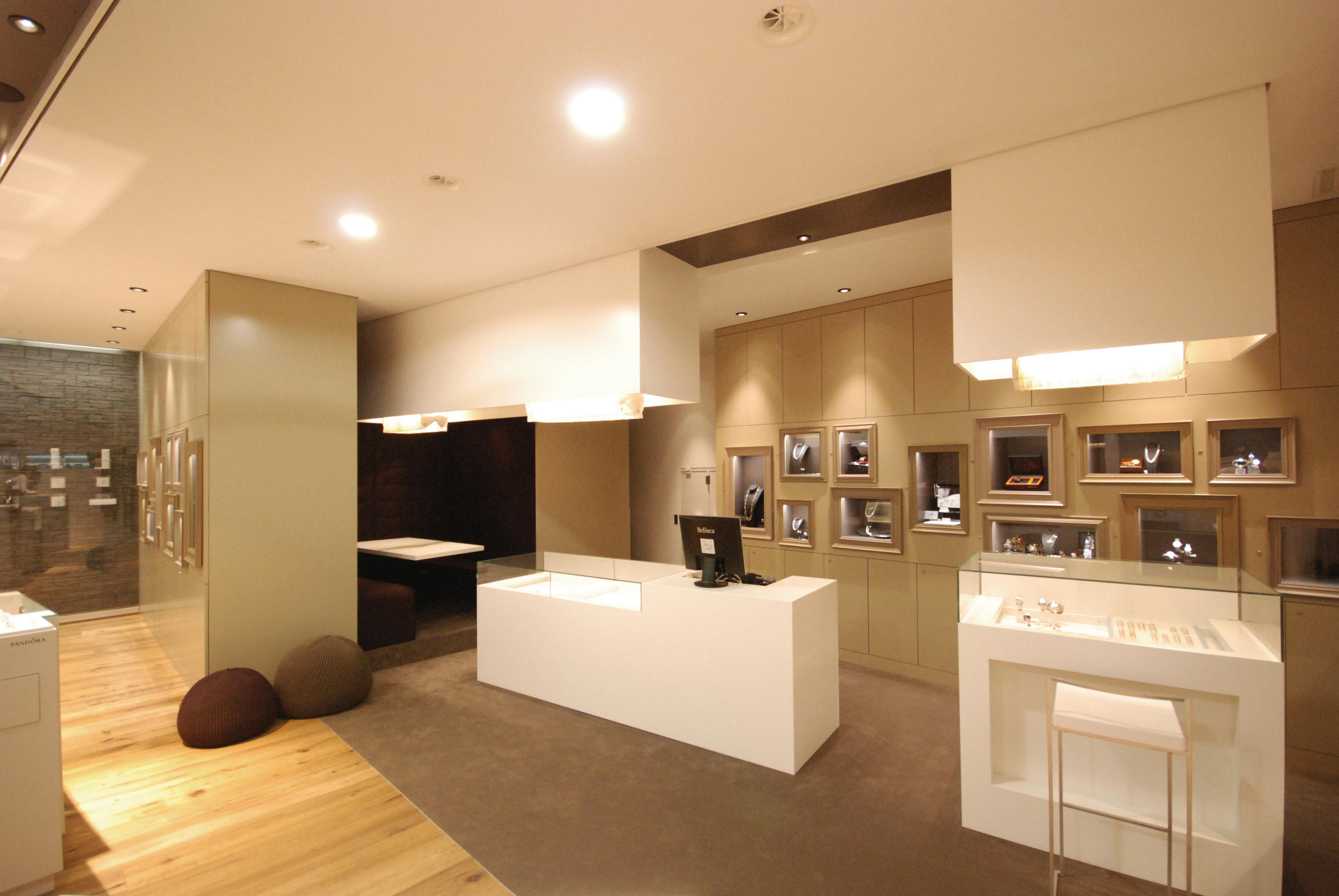 Bijouterie federer rorschach innenarchitektur for Design innenarchitektur